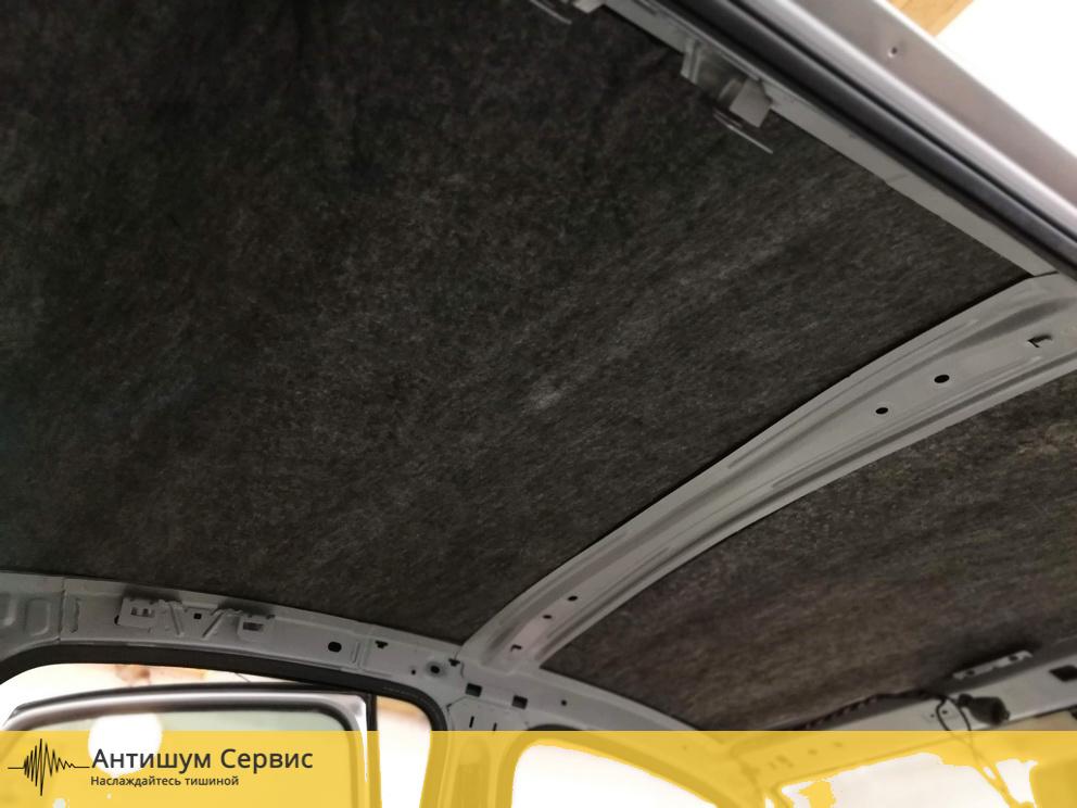 Шумоизоляция крыши Renault Sandero Stepway (Рено Сандеро Степвей)