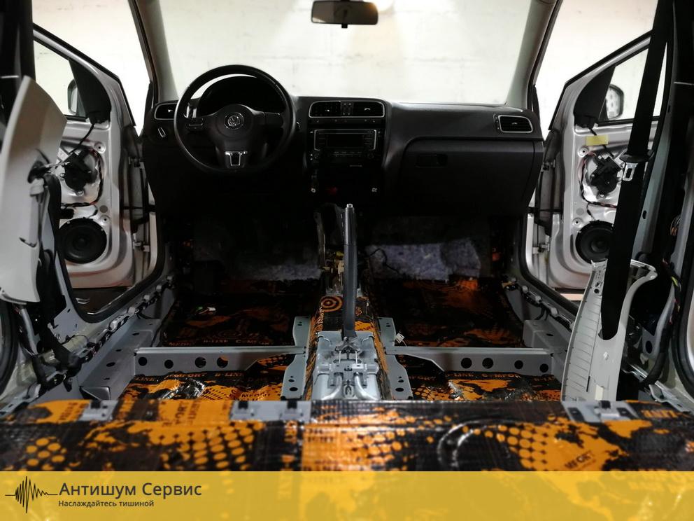 Шумоизоляция пола Volkswagen Polo (Фольксваген Поло)