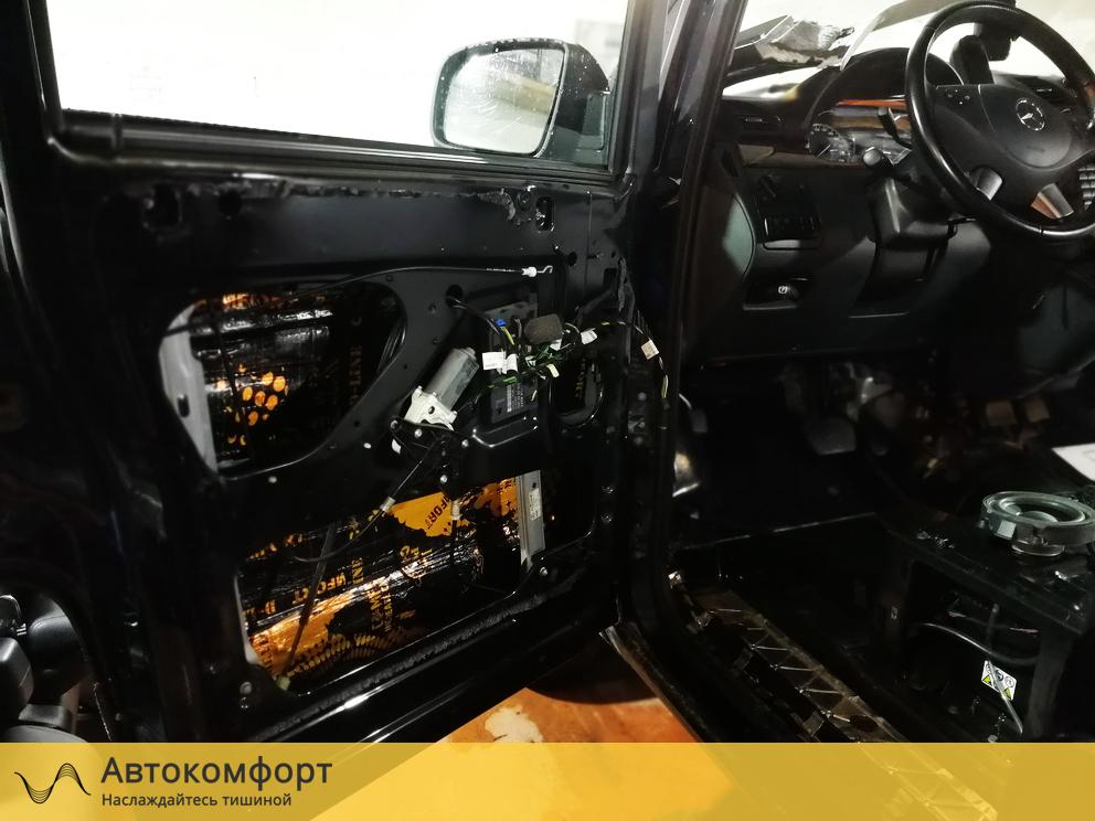 Шумоизоляция дверей Mercedes Benz Viano / Vito W639 (Вито / Виано)