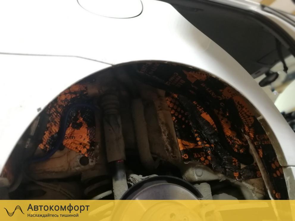 Шумоизоляция колесных арок BMW 1 series E87 (БМВ 1 серии Е87)