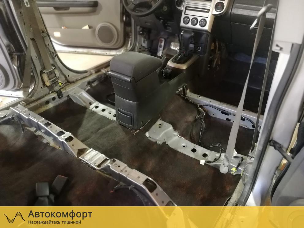 Шумоизоляция пола Nissan X-Trail T31 (Ниссан Икс Трейл Т31)