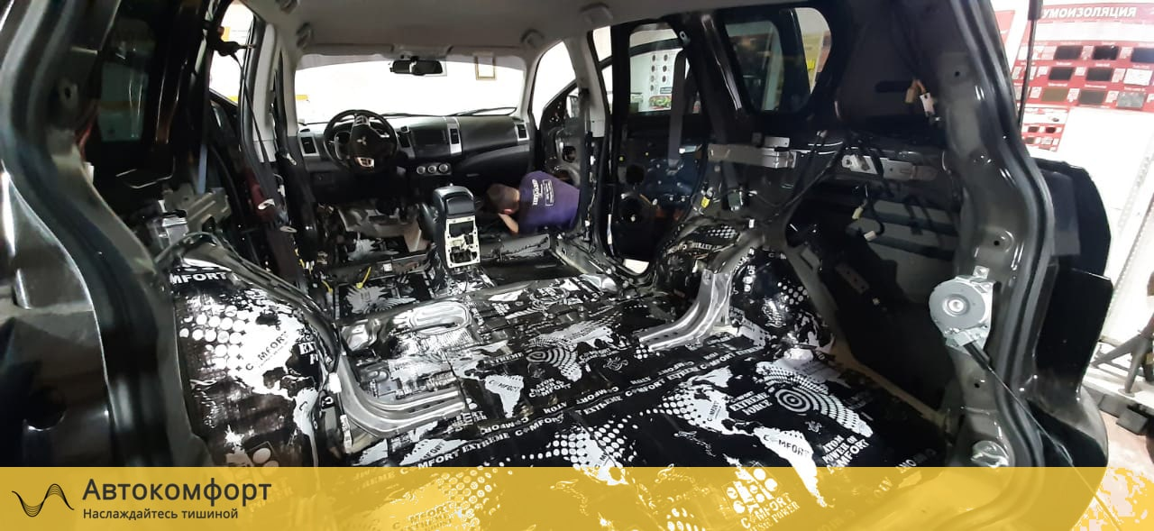 Шумоизоляция багажника Mitsubishi Outlander XL (Аутлендер XL)