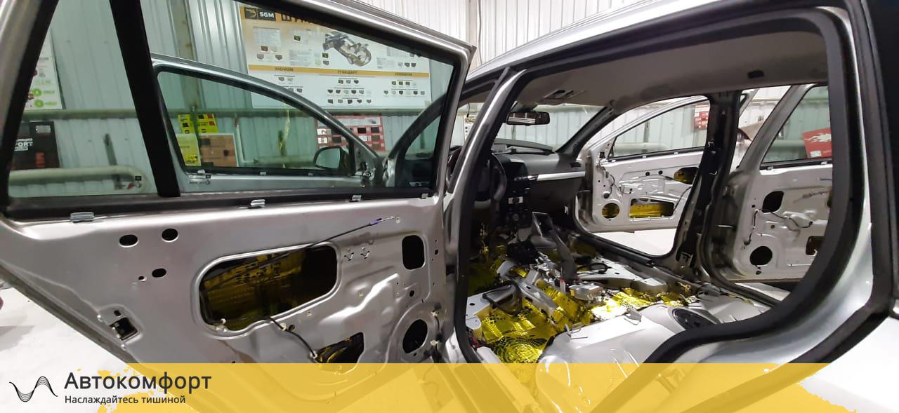 Шумоизоляция дверей Opel Astra H