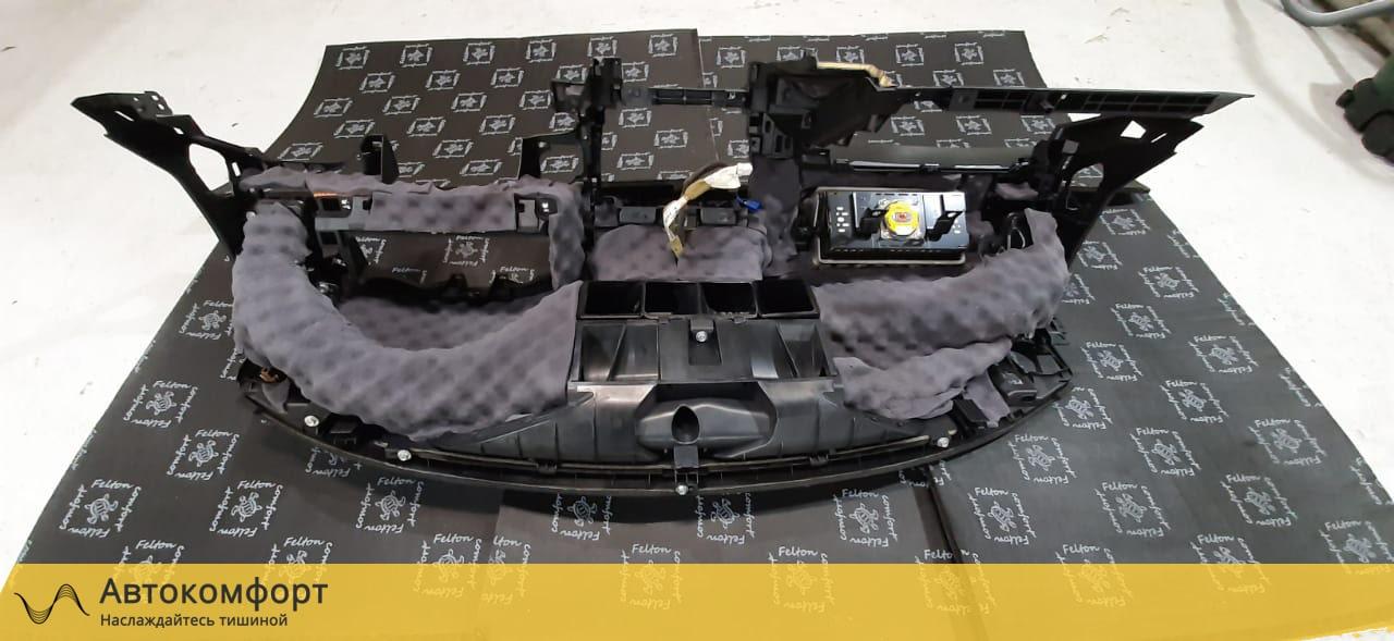Шумоизоляция торпедо Nissan Teana L33