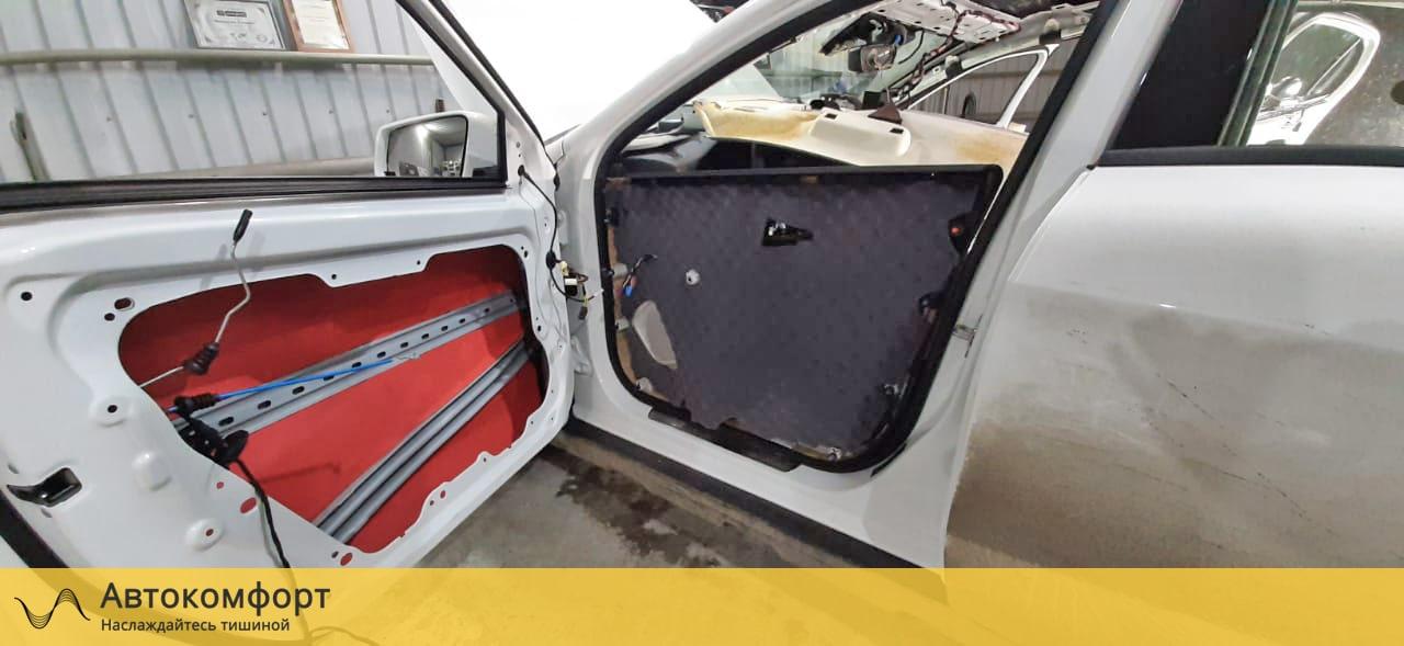 Шумоизоляция дверей Mercedes GLA W156