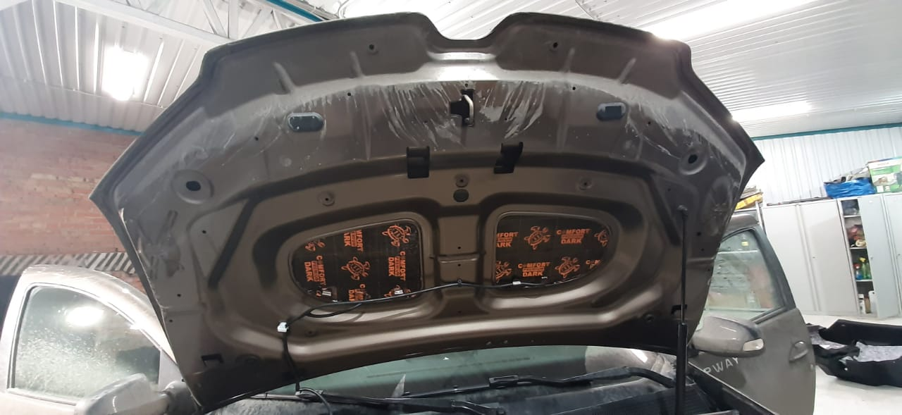 Шумоизоляция капота Renault Logan 2