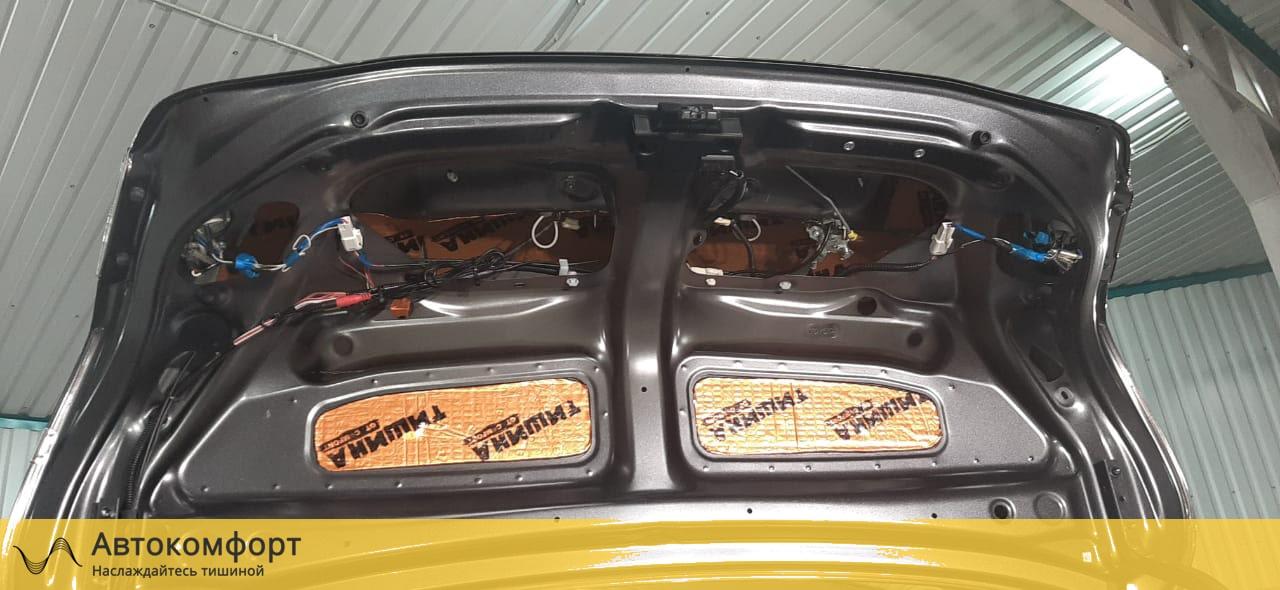 Шумоизоляция крышки багажника Toyota Camry V40