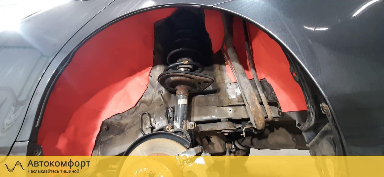 Шумоизоляция колесных арок Toyota Camry V40