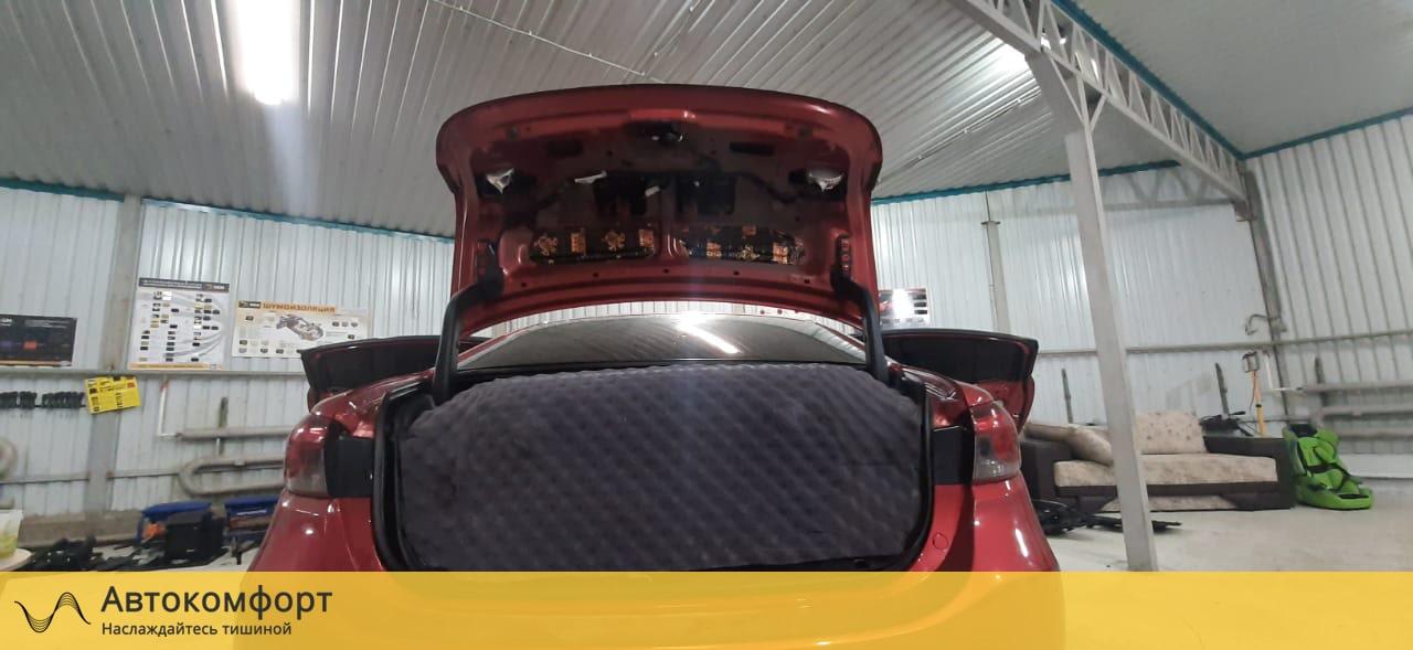 Шумка крышки багажника