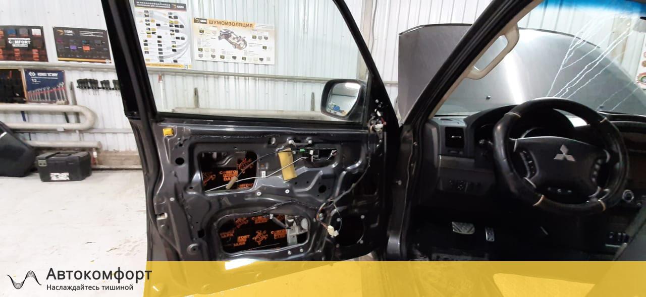 Шумоизоляция дверей Mitsubishi Pajero 4