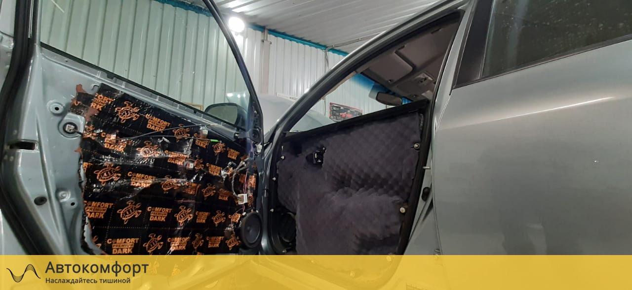 Шумоизоляция дверей Toyota Rav 4 (3 поколения)