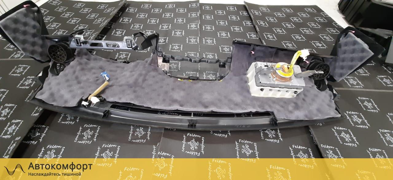 Шумоизоляция торпедо Toyota Rav 4 (3 поколения)
