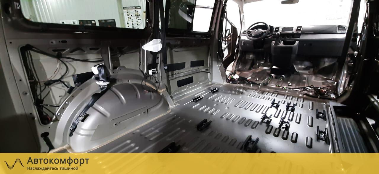 Шумоизоляция пола Volkswagen Caravelle T5/T6.1
