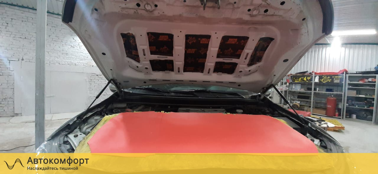 Шумоизоляция капота Mitsubishi Pajero Sport 3