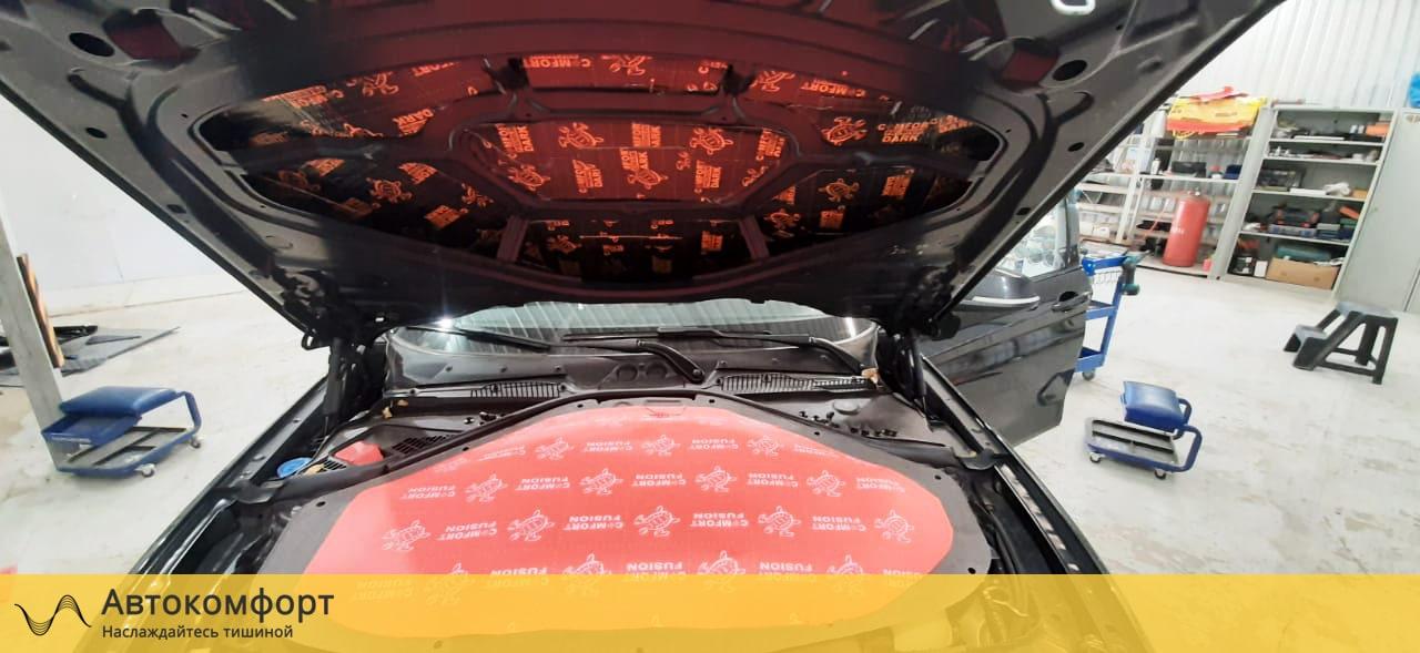 Шумоизоляция капота BMW 1 series F20 (БМВ 1 серии Ф20)