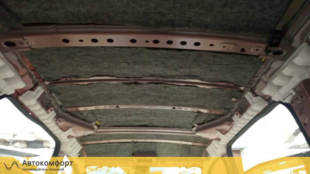Шумоизоляция крыши (потолка) Toyota Sienta 2 | Тойота Сиента II